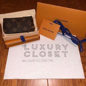 *NWT* Louis Vuitton Key Pouch Monogram
